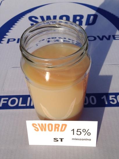 Płyn chłodząco - smarujący wspomagający cięcie metalu - mieszanina 15%